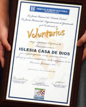 TSE reconoce labor cívica de voluntarios de Casa de Dios