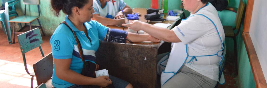 Jornada médica que bendice a habitantes de aldea Las Chapernas