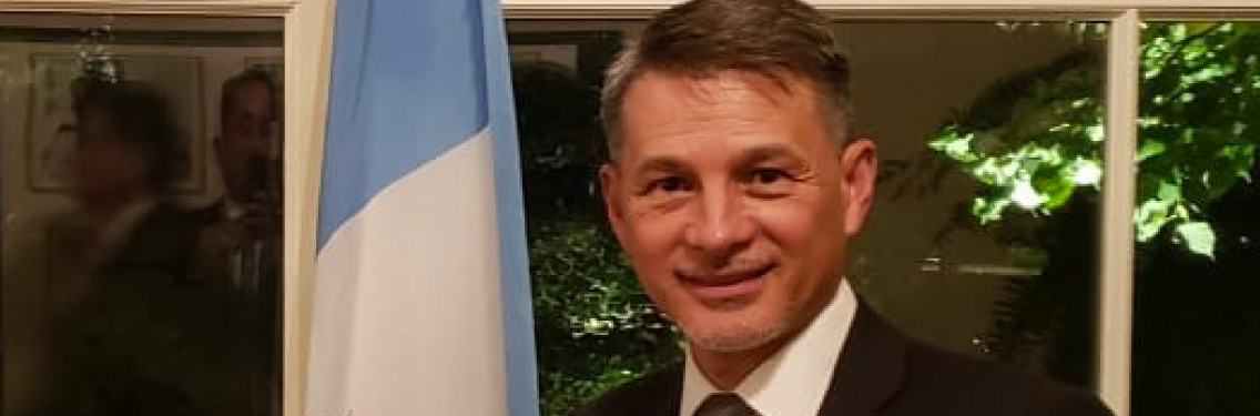 Pastor Cash Luna celebra el mes de la herencia hispana en la Casa Blanca