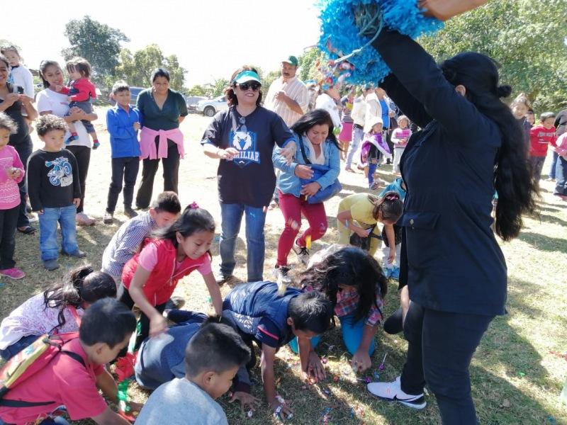 Piñatas, comida, regalos y mucha diversión vivieron niños de la dicha comunidad.